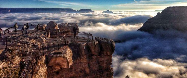 Grand Canyon zahalený v oblakoch