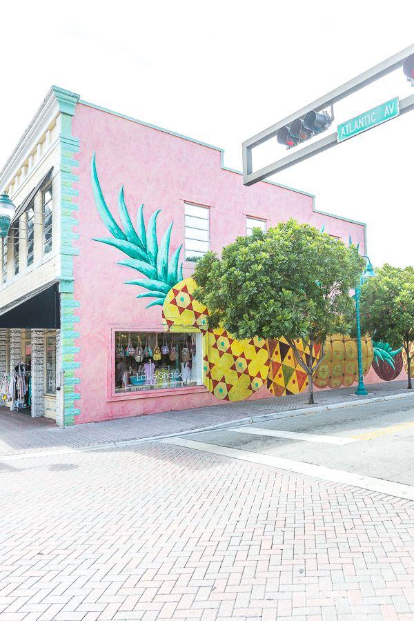 Shopping on Atlantic Avenue in Delray Beach, Florida