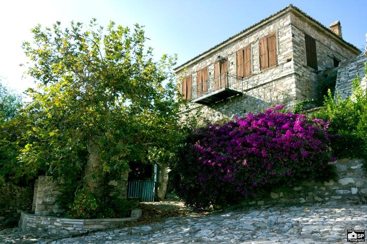 Doğanbey köyü, Söke Taş evler