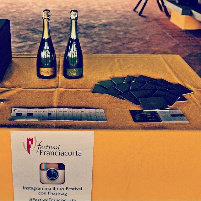 """@Ronco Calino Franciacorta's photo: """"Siamo quasi pronti per il #FestivalFranciacorta in cantina. Partiamo alle 14 con visita e degustazione di Brut e Satèn. Voi ci sarete? #franciacorta #vino #wine #winetasting #sparklingwine #italianwine #italy #italia #winelovers #lovewine #instawine #instapic #instagood #instalove #popularpic #picoftheday #photooftheday #tagstagram #igers #festival #brescia #instaitalia #people #brut #degustazione"""""""