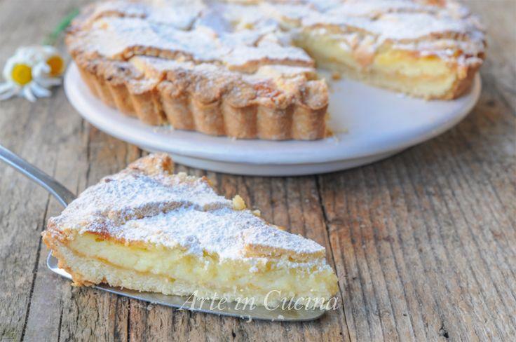 Crostata di mandorle con crema pasticcera e marmellata