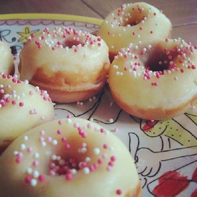 Mamusje van alles #Donutmaker #Donut #recipes #recepten http://www.mamusjevanalles.nl/2013/11/donutsmaker/