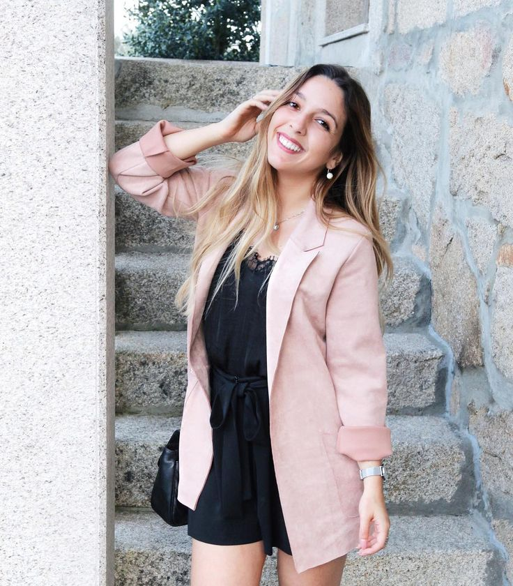 """10.7 m Gostos, 79 Comentários - A Inês Ribeiro (@inesribeirooficial) no Instagram: """"Meus amores, vim passar a Páscoa a Viseu! Onde vão passar?  Ps. Amo esta combinação de preto e…"""""""