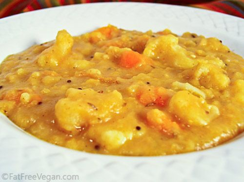 Curried Split Pea Soup with Cauliflower - cumin, fennel, black mustard seeds, fresh ginger, minced garlic, onions, carrots, water, dried green/yellow split peas, mild curry powder, salt (optional), cauliflower