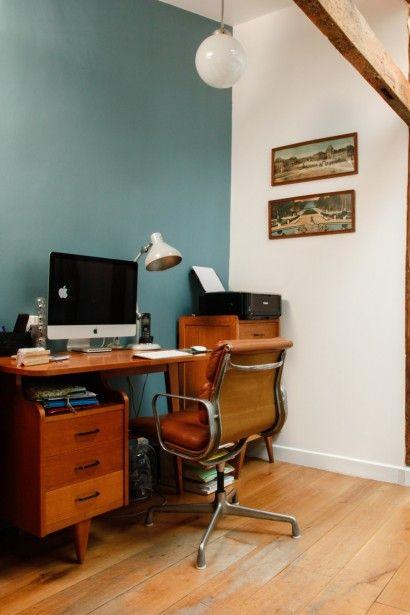 TOUCH cette image: Fauteuil de bureau Soft Pad Desk vintage de Charles et Ra... by The Socialite Family
