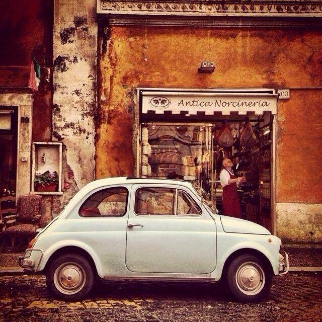 """fiat500nelmondo: """"Antica Norcineria L'avete mai mangiato il prosciutto di Norcia? Buonoooo!!! ( by majoruppset on tumblr) http://ift.tt/1lxIEna #umbria #italy Fiat Nuova 500 (1957-1975)..."""