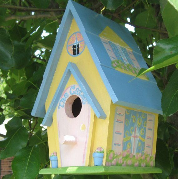92 best images about painted birdhouse ideas on pinterest for Best birdhouse designs