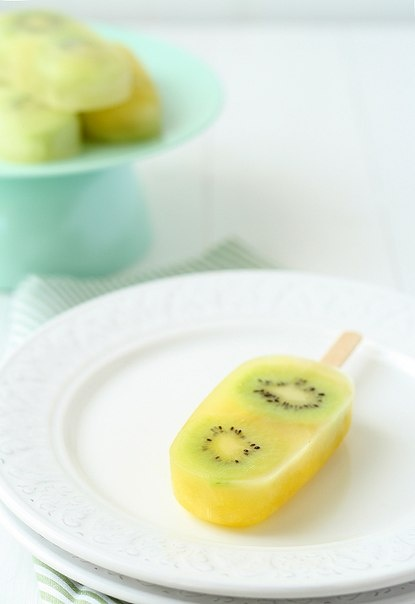 Фруктовое мороженое из ананаса и киви