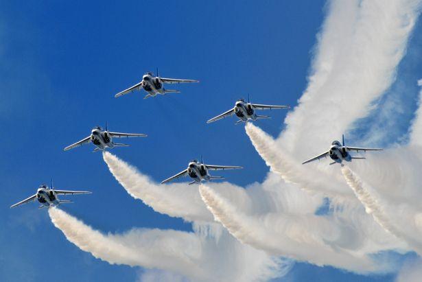 ブルーインパルス6機編隊 Blue Impulse
