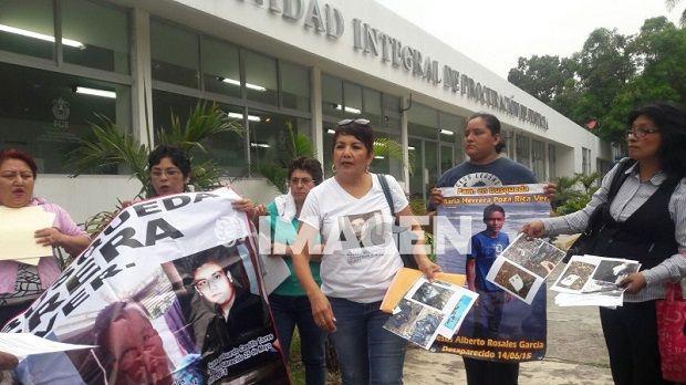 Colectivo de Poza Rica exige al Fiscal disculpa pública - http://www.esnoticiaveracruz.com/colectivo-de-poza-rica-exige-al-fiscal-disculpa-publica/