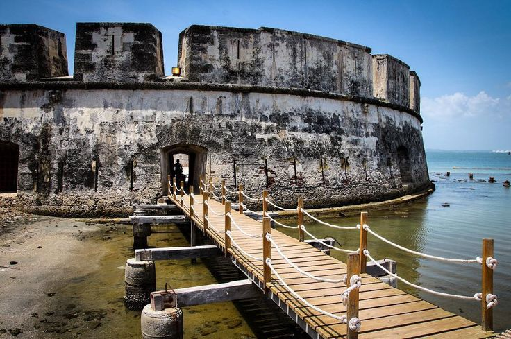 This was an entrance to the fortress of the island Tierra Bomba about 10-15 mins from Cartagena #Colombia. Really interesting fortress with clever architectural features. And some pitch-black corridors full of little bats! And yes we did walk through them! A visit to Tierra Bomba with the public ferries is a more tranquil option compared to Isla Rosario and other more commonly visited islands. Go off-the-beaten-track and come here!
