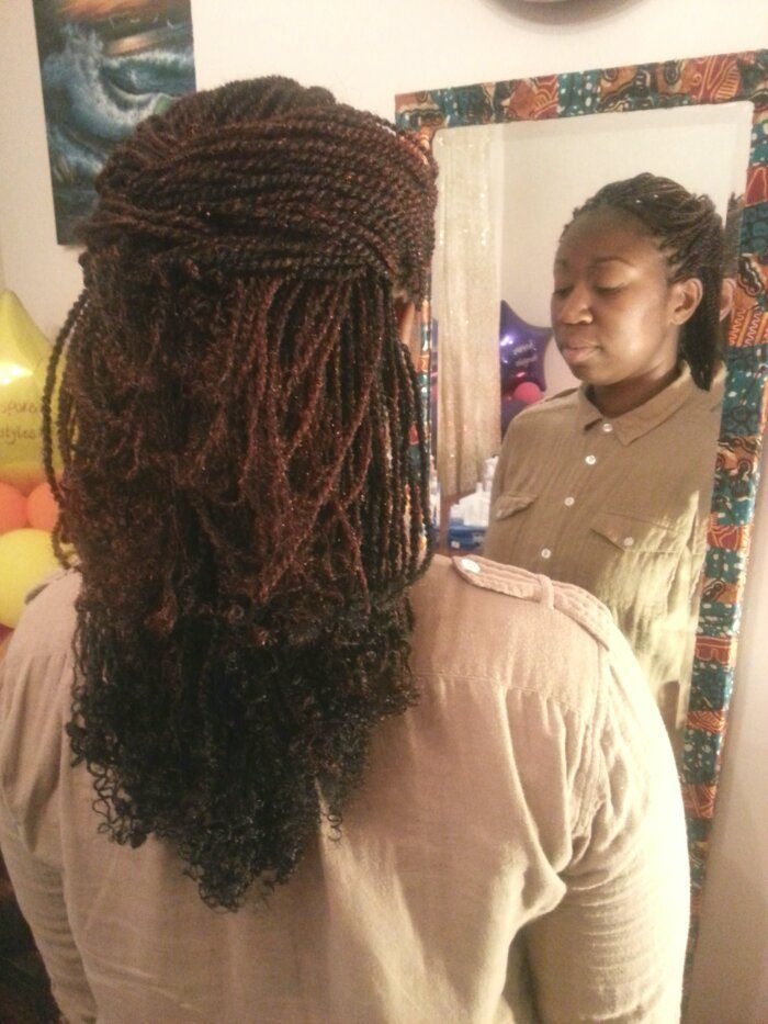 Kinky twists extensions