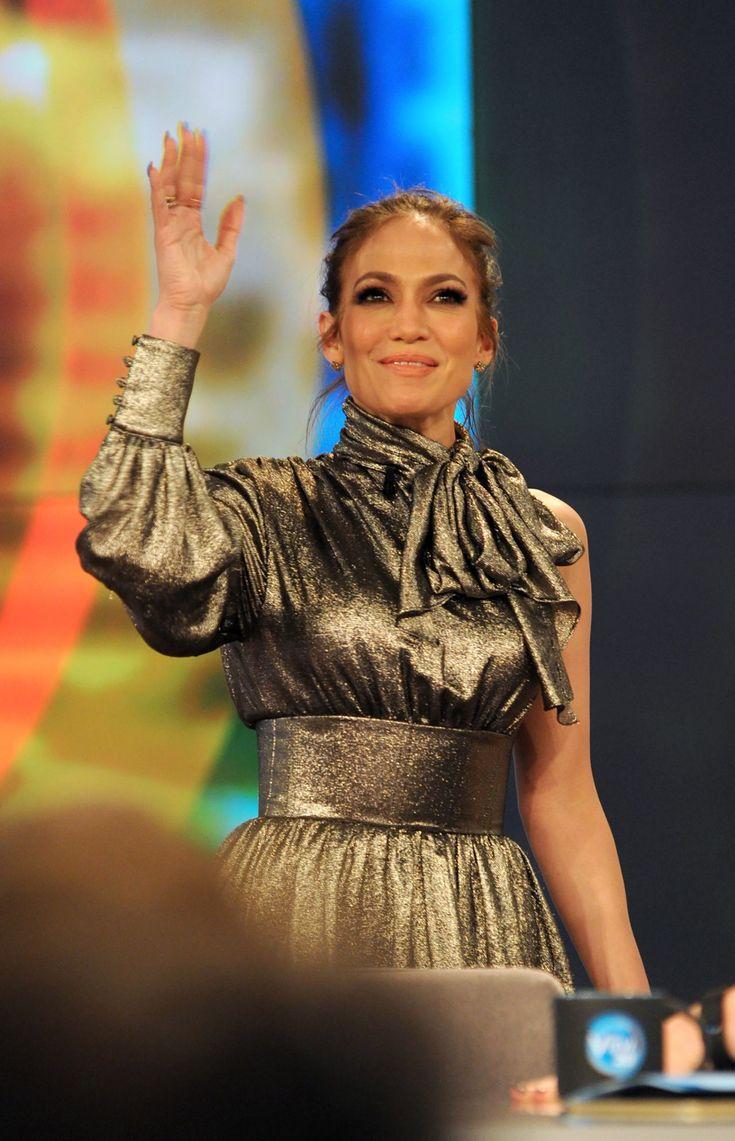 Jennifer Lopez #JenniferLopez at The View TV Show in New York 03/03/2017 Celebstills J Jennifer Lopez