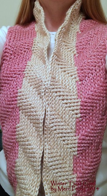 Ravelry: Winter Twist Cowl - free pattern by Merri Purdy