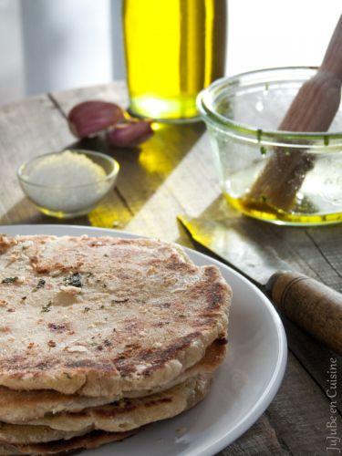 Naans à l'ail, coriandre et huile d'olive - Jujube en cuisine - Vegan recipe
