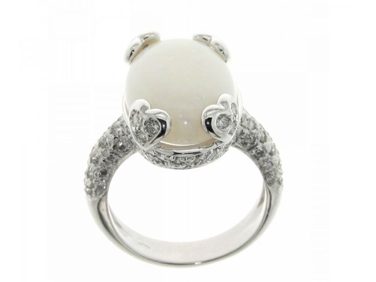 Anello oro bianco griffe a forma di cuori opale carati 6,50 diamanti carati 0,80 G-VS1