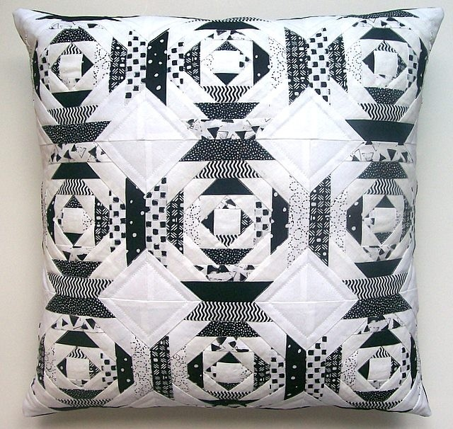 Black and White - 18 Inch Pillow Cover Pineapple Block. Beautiful!