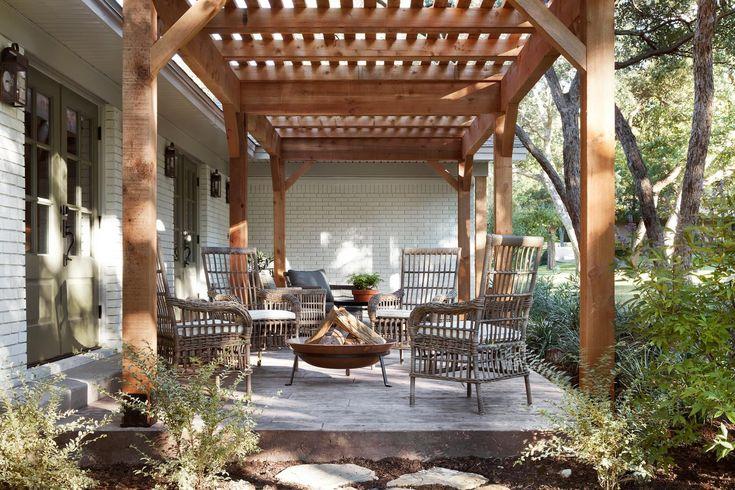 best 25 fixer upper episodes ideas on pinterest magnolia hgtv fixer upper show and episode. Black Bedroom Furniture Sets. Home Design Ideas