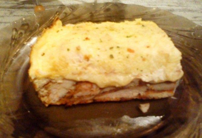 Sajtos-tejfölös csirkemell baconnel