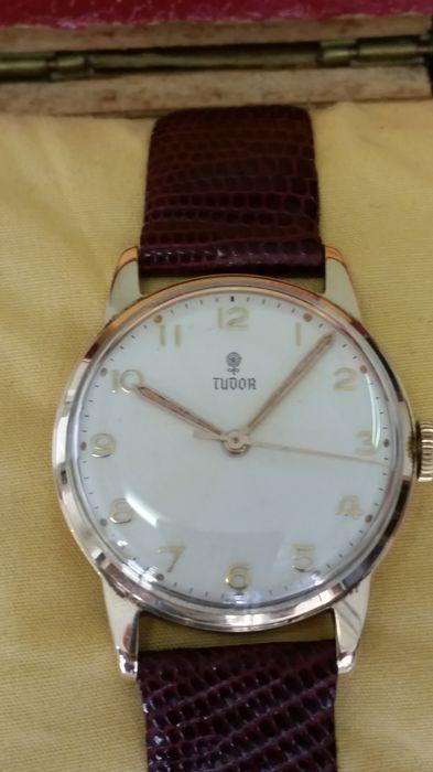 Rolex Tudor-gouden horloge echt erg elegant.  Rolex TudorMechanisch uurwerk gecertificeerd Rolex TudorDiameter: 33 mm.Herdrukt wijzerplaatGouden gewicht: 27 gHorlogebandje lengte: 22 cmVerzekerde verzendkosten met tracking  EUR 950.00  Meer informatie