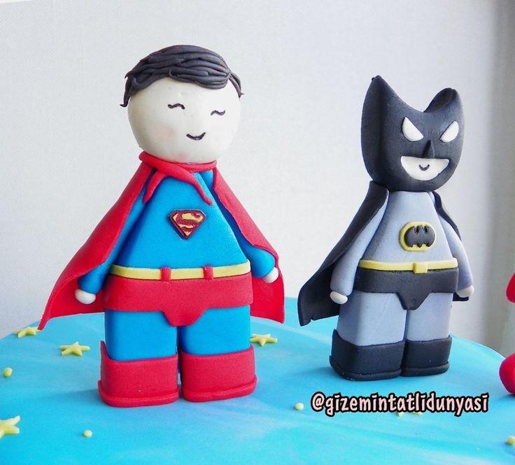 """107 Beğenme, 3 Yorum - Instagram'da Butik Pasta / Kurabiye (@gizemintatlidunyasi): """"Aras 3 Yaşında  #supermancake #batmancake #batman #superman"""""""