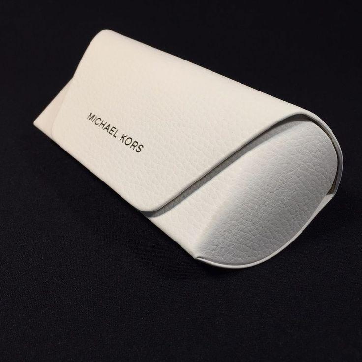 MICHAEL KORS White Eyeglass Sunglass LARGE Hard Case ONLY w/Cloth