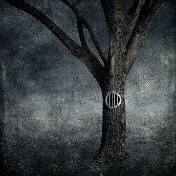 Σιωπάς για να ακούγεσαι – Μ.Βαμβουνάκη |