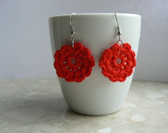 Valentine Red Crochet Earrings Flower by RedIbisGifts on Etsy Valentijn Rood Gehaakte Oorbellen