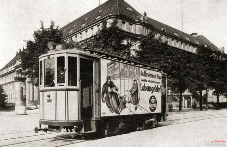 """1927 , Tramwaj """"Zeppelin"""" na ul.Dyrekcyjnej. 1927."""