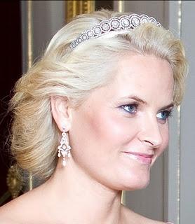 Norwegian Daisy Diamond Tiara worn by  CP Mette-Merit, 2nd Photo