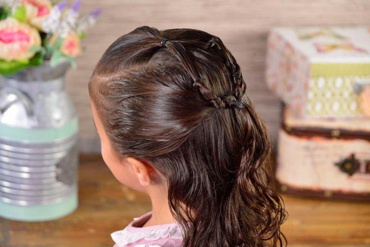 Si no tienes tiempo de peinar a tu hija antes de ir a la escuela esta idea te encantará, es muy fácil de hacer y en cuestión de minutos tendrás un peinado increíble. Tips Belleza, Ideas, Hair, Semi Formal Hairstyles, Children Hairstyles, Hairstyles Videos, Hairstyle For Long Hair, Plaits Hairstyles, Thoughts