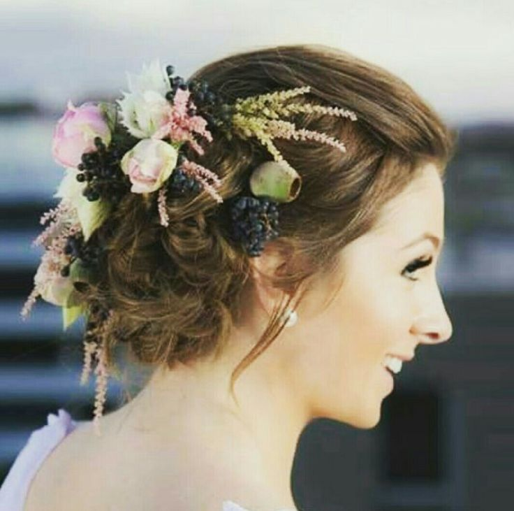 Wedding Hair by Lovely Locks Hair and Beauty photography by Kyle Crisp