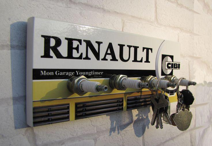 Les 157 meilleures images du tableau deco bolides sur for Garage renault ile verte