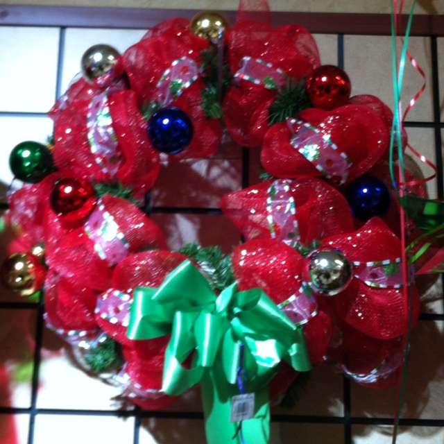 20 best Wendy's Wreaths images on Pinterest | Christmas wreaths ...