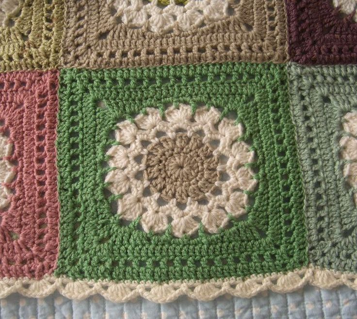 Free Crochet Flower Edging Pattern : Beautifully done blanket with scalloped edging. Flower ...
