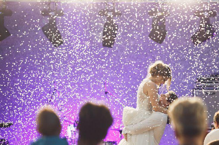 Первый танец. Организатор: свадебное агентство Романа Боярова -> www.boyarovweddings.ru. Фото: Андрей Настасенко