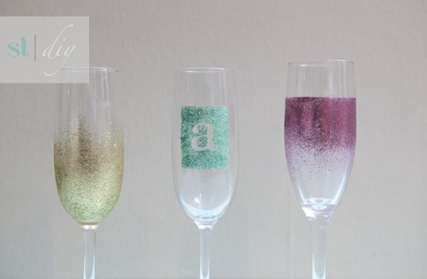 glam glitter DIY champagne glasses from SomethingTurquois...