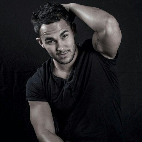 gotta get used to saying Carlos PenaVega instead of Carlos Pena Jr... it's so weird now.. but i still love him
