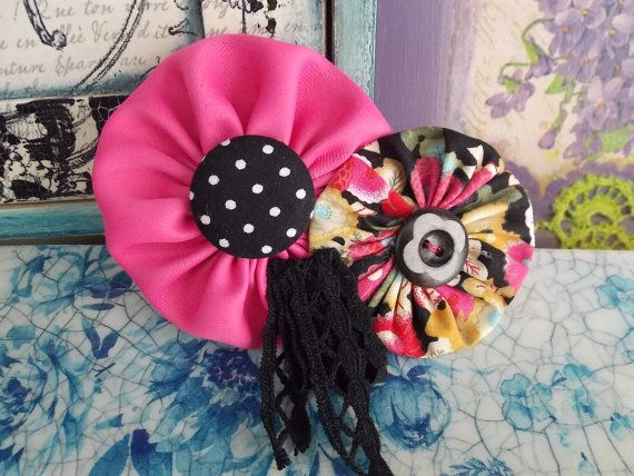 Handmade fabric flower brooch Love the Pink. Made by by FromIrene, €8.00