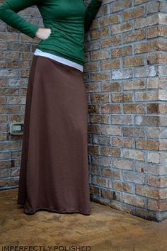 I am in love with maxi skirts for this spring/summer season.  Here is a free tutorial on how to make a quick easy maxi skirt of your very own