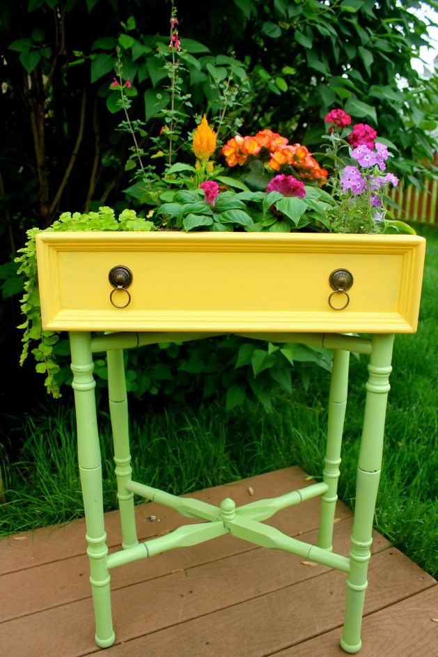 Turn a drawer into something awesome like this planter! Imagine it in your favorite colors.