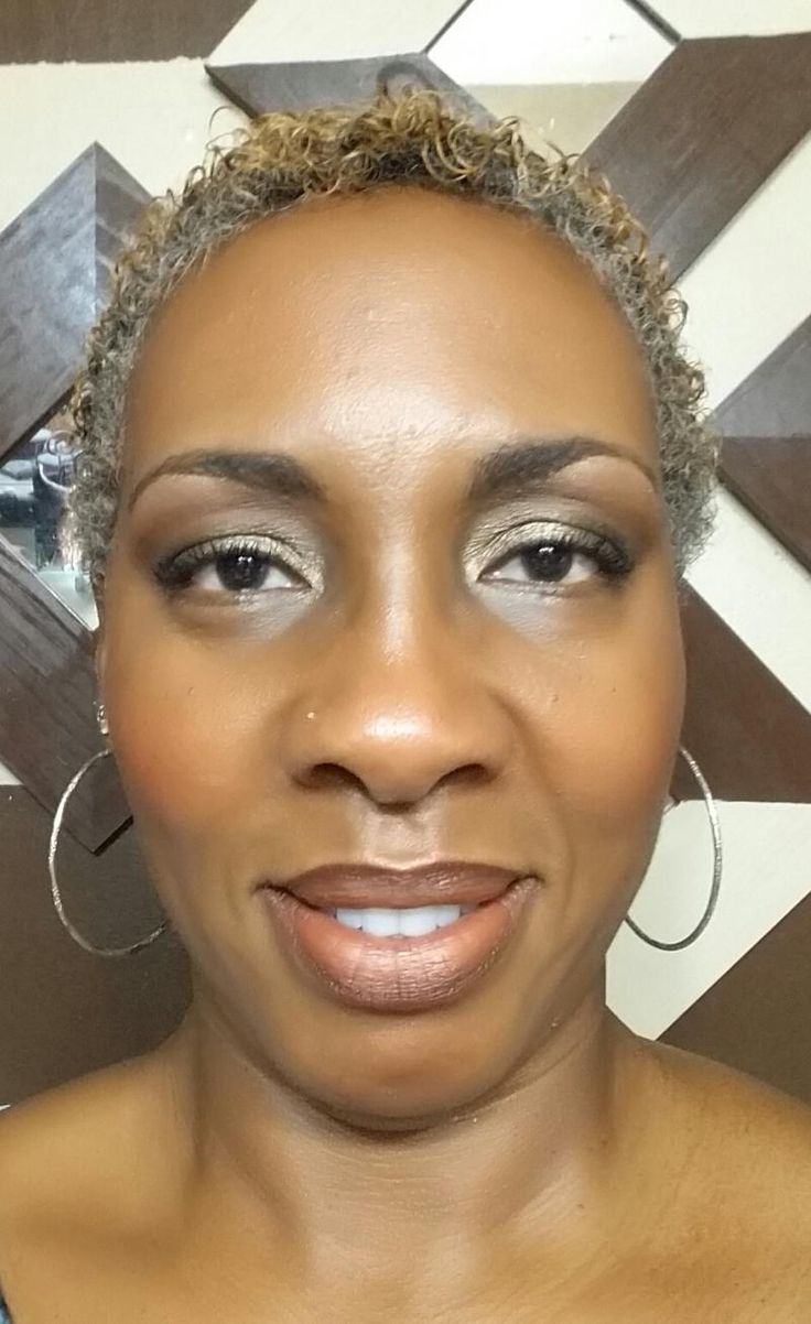 Face - #Charmeuse Mineral Touch cream & powder. Eye - Dark, Brow gel & Brow liner pencil to Brow area. #Sexy used just under brow. #Giddy, above crease. #Devious, in the crease. #Confident, on the lid. Blush - #Sophisticated Lips - #Proper eye pencil. Giddy, Eye Pigment. #YLook #GetTheLook #Younique