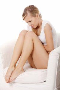 Sindromul premenstrual este un sindrom si nu trebuie considerat o boala. Cea mai buna solutie este sa privesti cu calm si seninatate manifestarile specifice acestei perioada si sa aplici solutii naturiste.