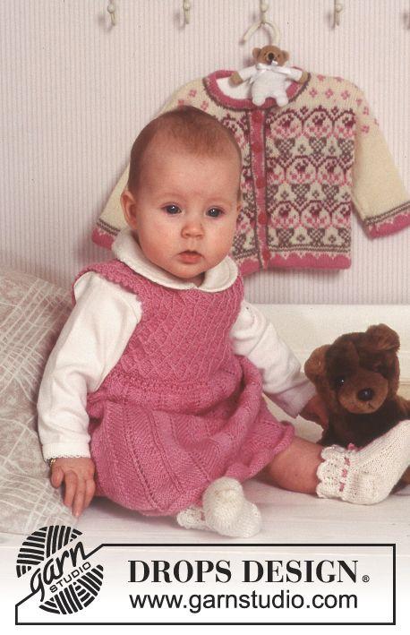 DROPS Kjole og sokker i «Baby Merino» med strukturmønster. ~ DROPS Design