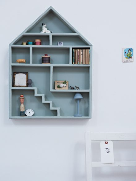 Dollhouse shelf