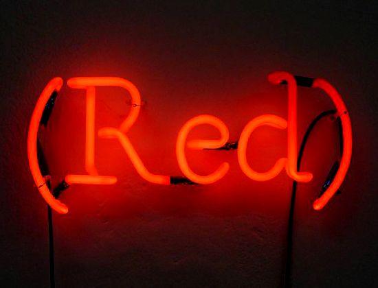 Note 5,5/10  Néon (Red) : STYLE INTEMPOREL ET LUMINEUX
