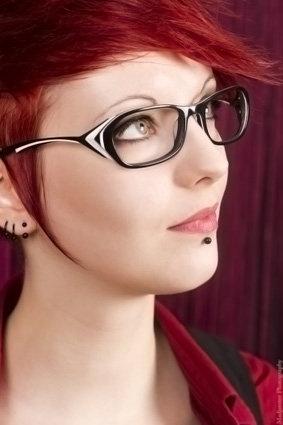 Très belle collection lunettes optiques femme chez créateur français V Design