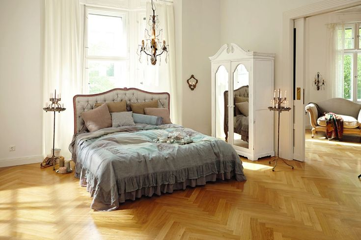 16 best barockstil images on pinterest baroque bedroom bed heads and bench. Black Bedroom Furniture Sets. Home Design Ideas