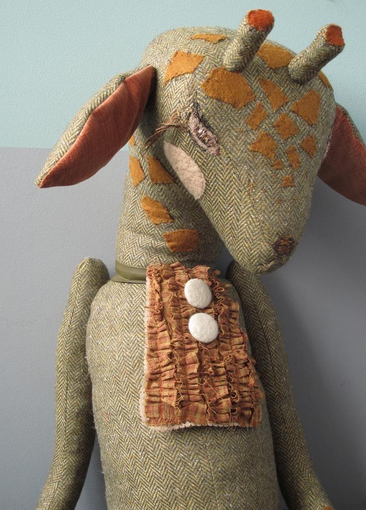 handmade giraffe toy. 'girafe de cirque'
