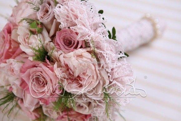 Bouquet sposa shabby romantico dai profumi di primavera